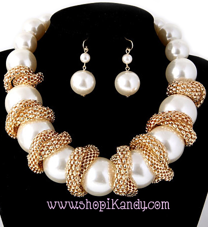Chunky Pearl Necklace & Earring Set