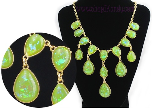 Iridescent Green Teardrop Necklace & Earring Set