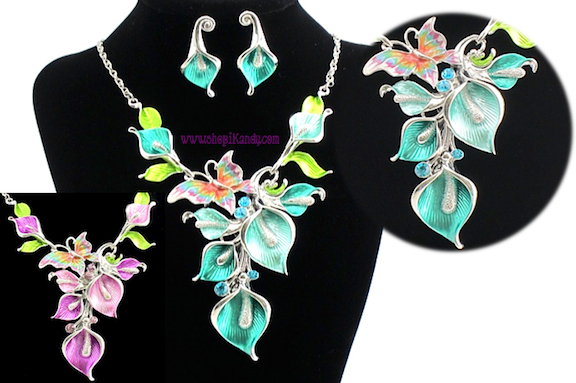 Lilly Flower Necklace & Earring Set
