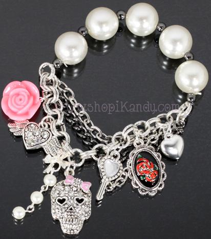 Skull Charm Pearl Stretch Bracelet